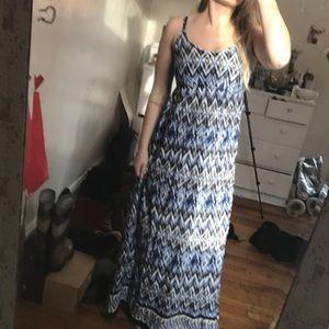 Dresses & Skirts - Beautiful Printed Maxi Dress